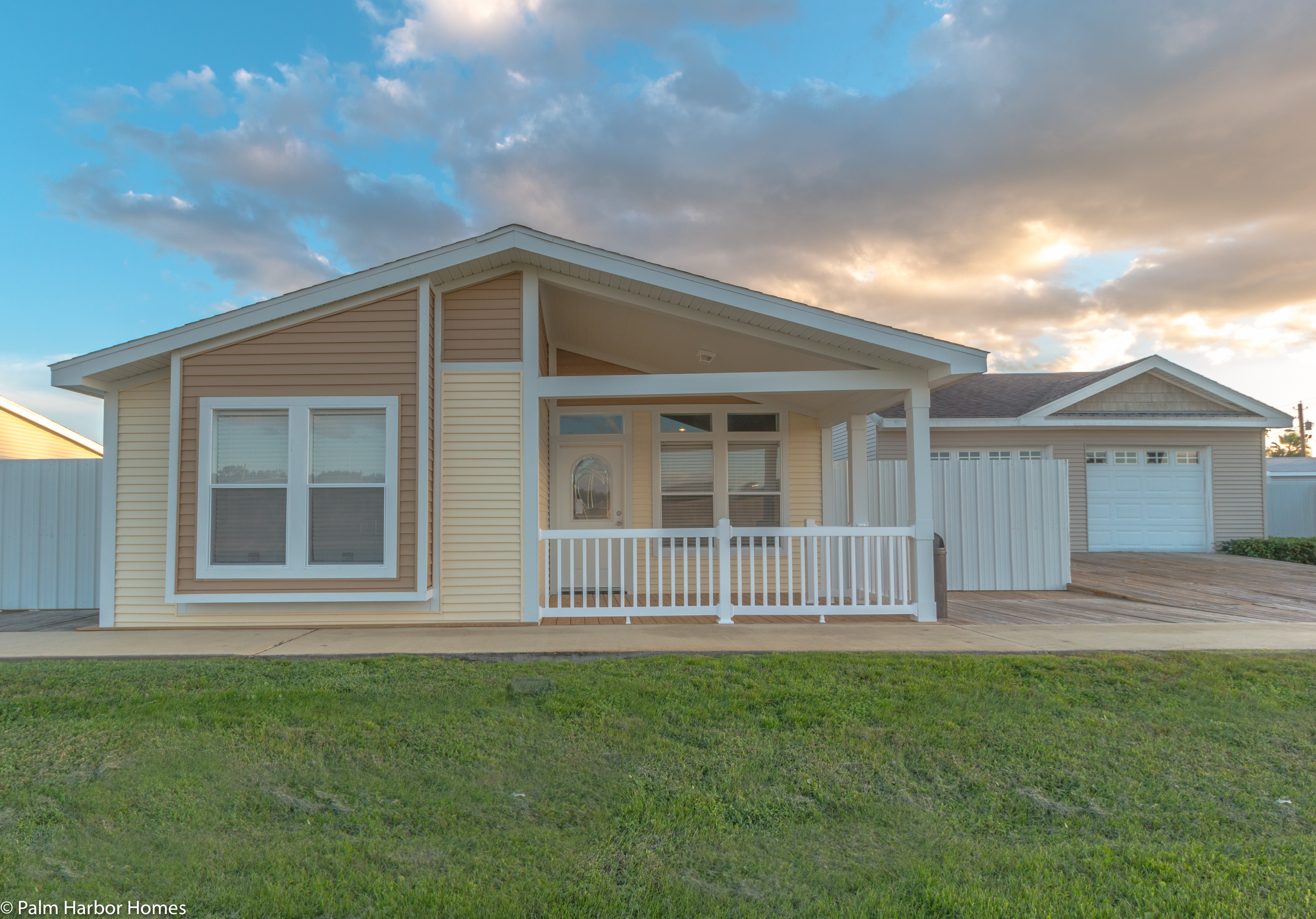 Summer-Breeze-4-Palm-Harbor-Manufactured-home_Front-porch-1 Palm Mobile Homes on sun mobile homes, delta mobile homes, magnolia mobile homes, apple mobile homes, pace mobile homes, franklin mobile homes,